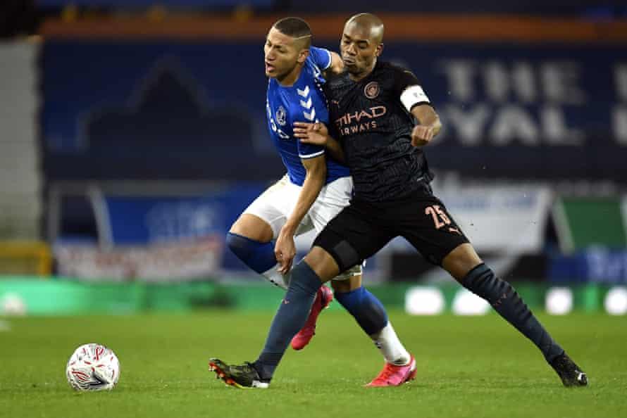 Liga Inggris - Fernandinho